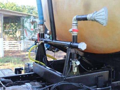 Carreta Bombeiro Pipa em Fibra de Vidro